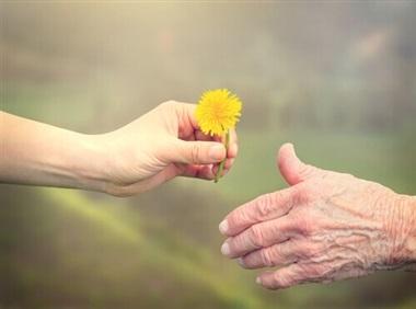 انشا با موضوع افراد مهربان و خصوصیات آن ها
